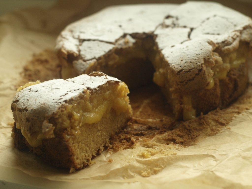 Almond Cake with Lemon Cream