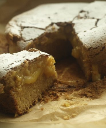 Almond Cake with Lemon Cream